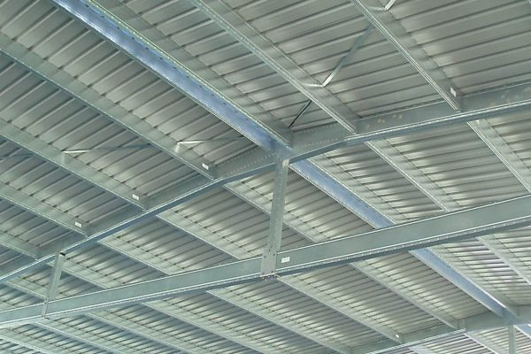 Wide spanning Boxspan roof trusses for industrial and commercial sheds and factories