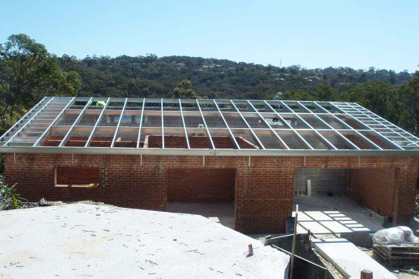 Boxspan skillion roof frame