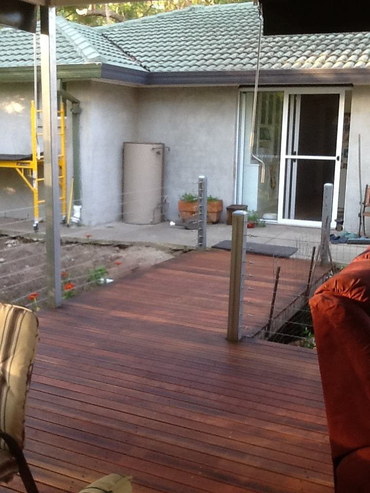 Boxspan deck frame with posts to roof height