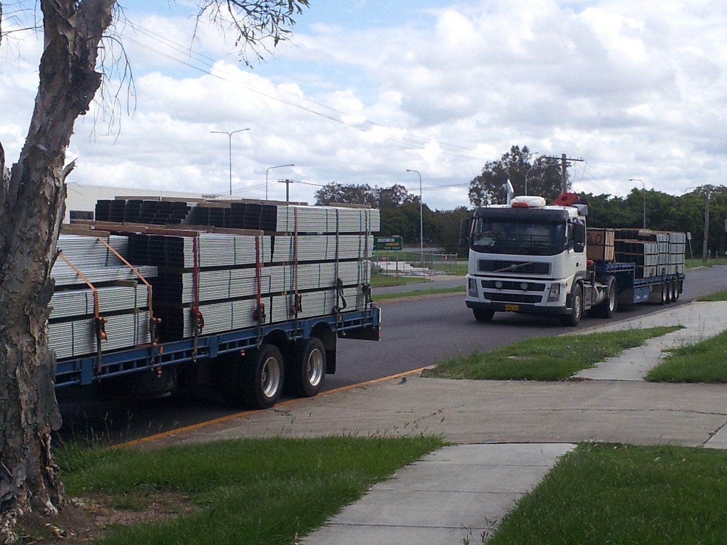 Delivery of the Boxspan mezzanine floor frame arriving for a factory for storage lockers.